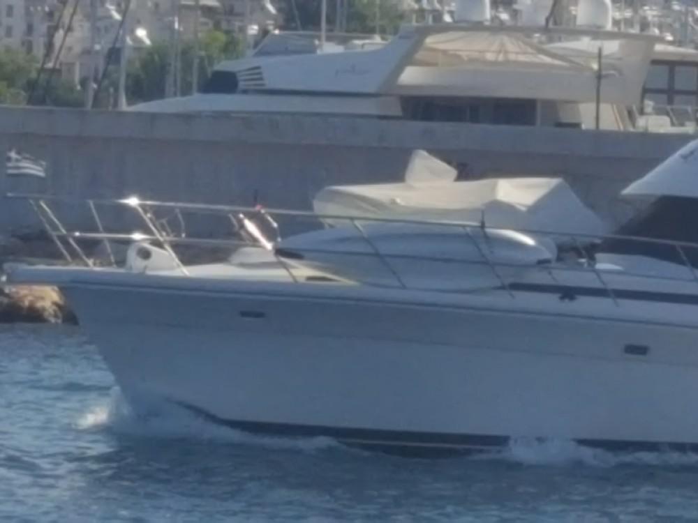 Motorboot mieten in Marina Alimos zum besten Preis