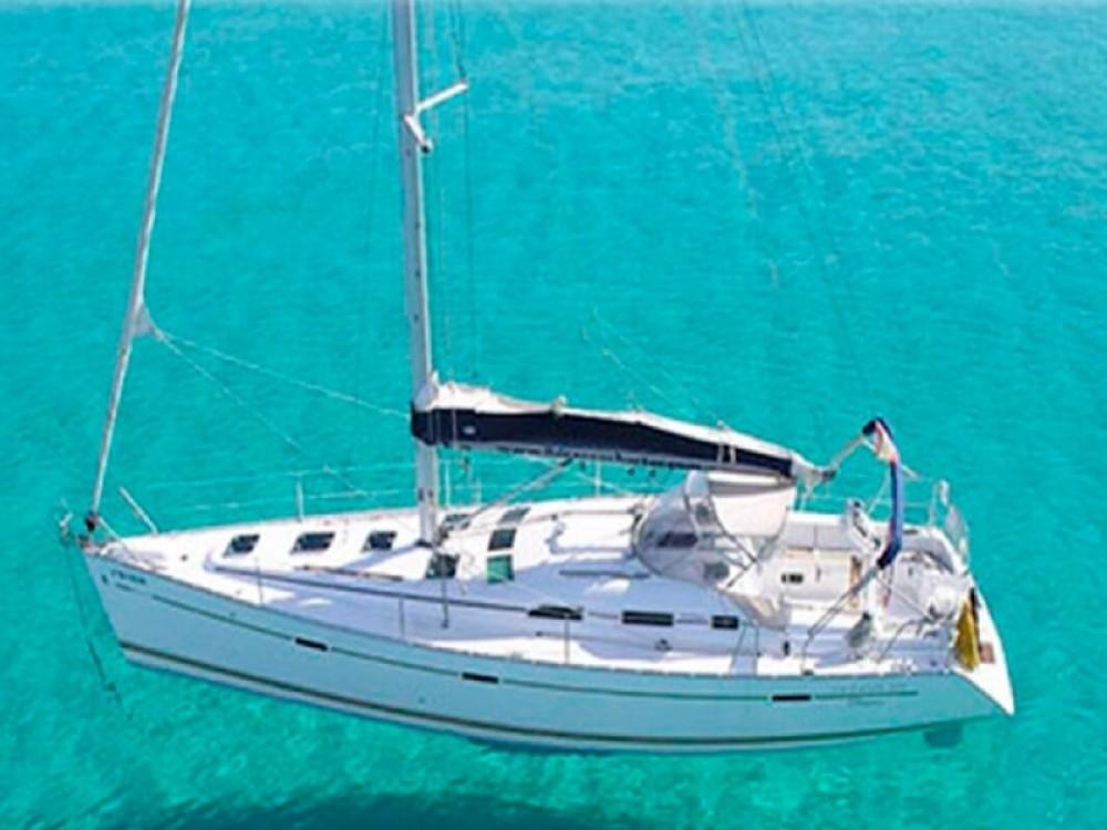 Ein Bénéteau Oceanis 393 Clipper mieten in Port Olímpic