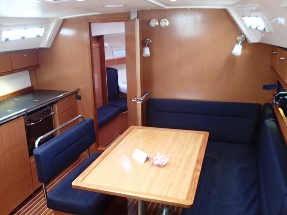 Ein Bavaria Bavaria 40 Cruiser mieten in Sukošan