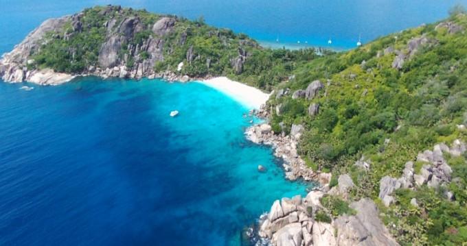 Katamaran mit oder ohne Skipper Lagoon mieten in Eden Island