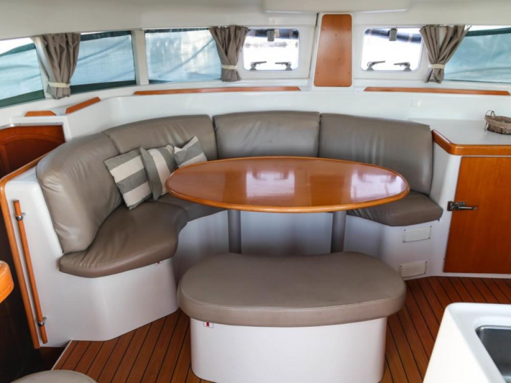 Bootsverleih Lagoon Lagoon 380 Lávrio Samboat