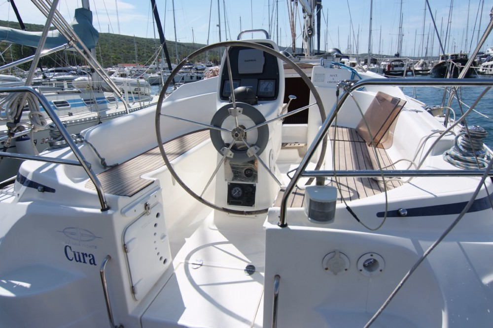 Bavaria Bavaria 33 Cruiser zwischen Privatpersonen und professionellem Anbieter Krk