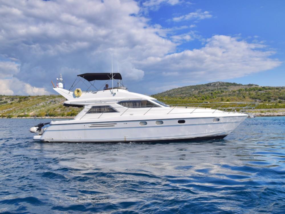 Motorboot mit oder ohne Skipper Princess mieten in Primošten