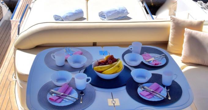 Motorboot mit oder ohne Skipper Fairline mieten in Primošten
