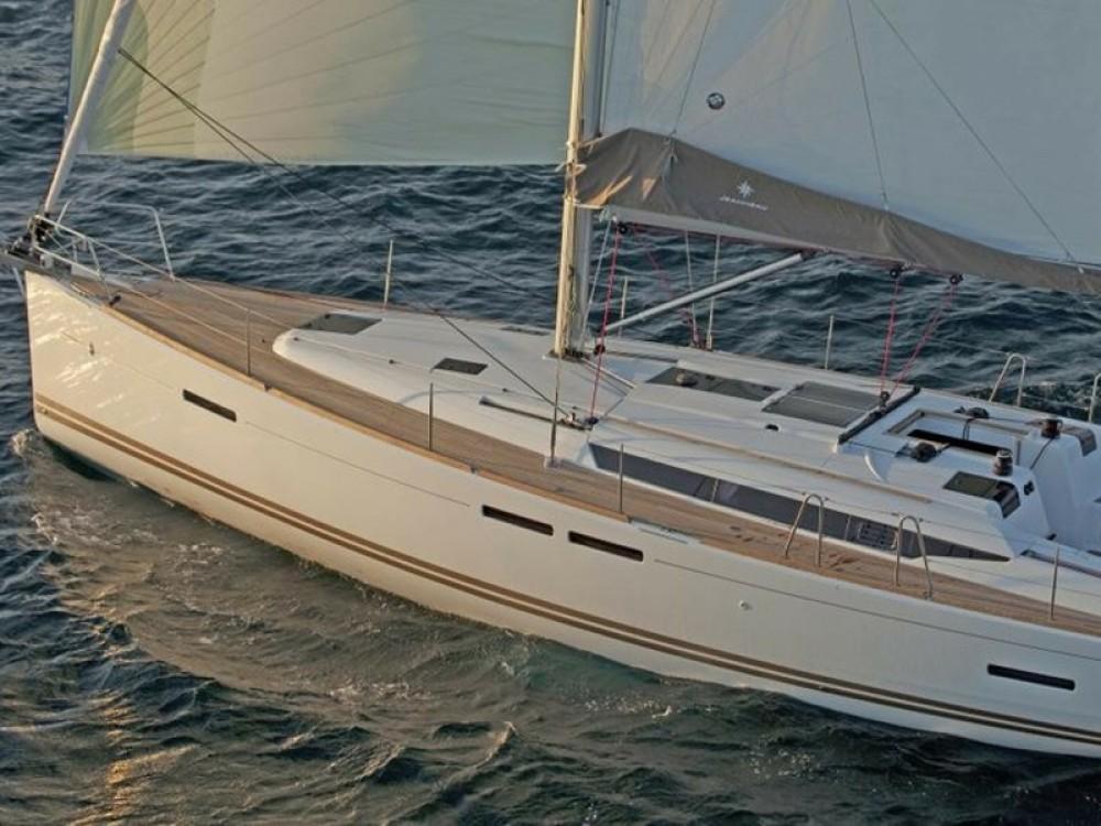 Ein Jeanneau Sun Odyssey 439 mieten in Palma