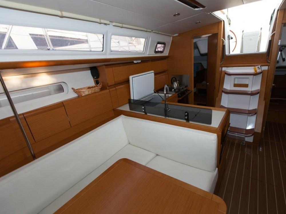 Yacht-Charter in Palma - Jeanneau Sun Odyssey 379 auf SamBoat