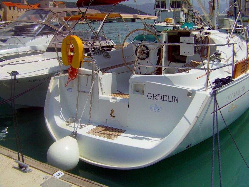 Bootsverleih Trau günstig Beneteau Oceanis 331 Clipper