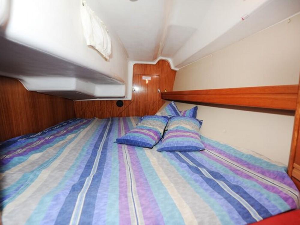 Bavaria Bavaria 34 Cruiser zwischen Privatpersonen und professionellem Anbieter Grad Zadar