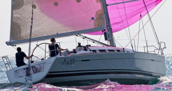 Yacht-Charter in Marina di Portisco - Bénéteau First 35 auf SamBoat