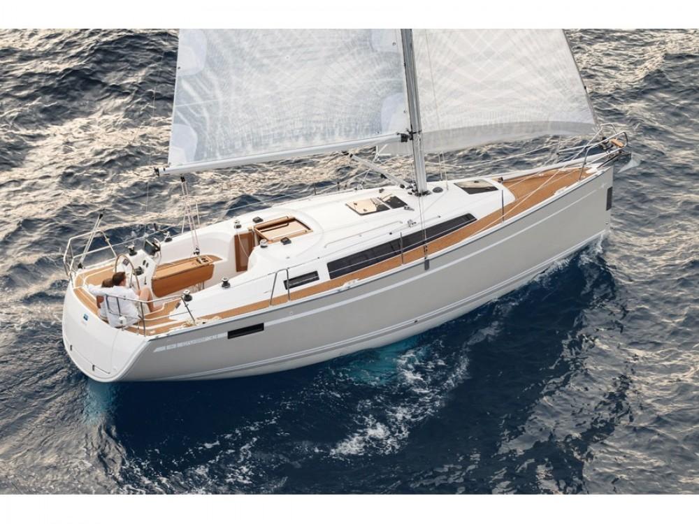 Bootsverleih Biograd na Moru günstig Bavaria 33 Cruiser
