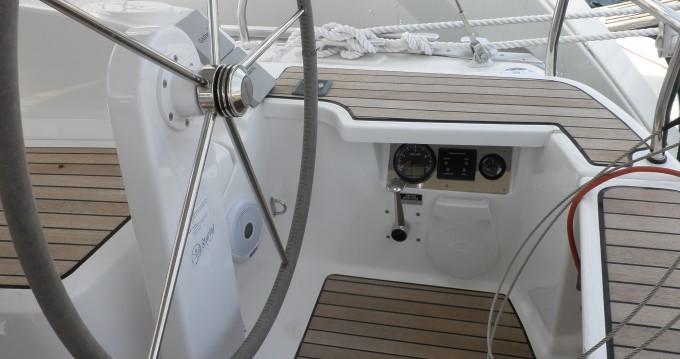 Bavaria Cruiser 37 zwischen Privatpersonen und professionellem Anbieter Sukošan