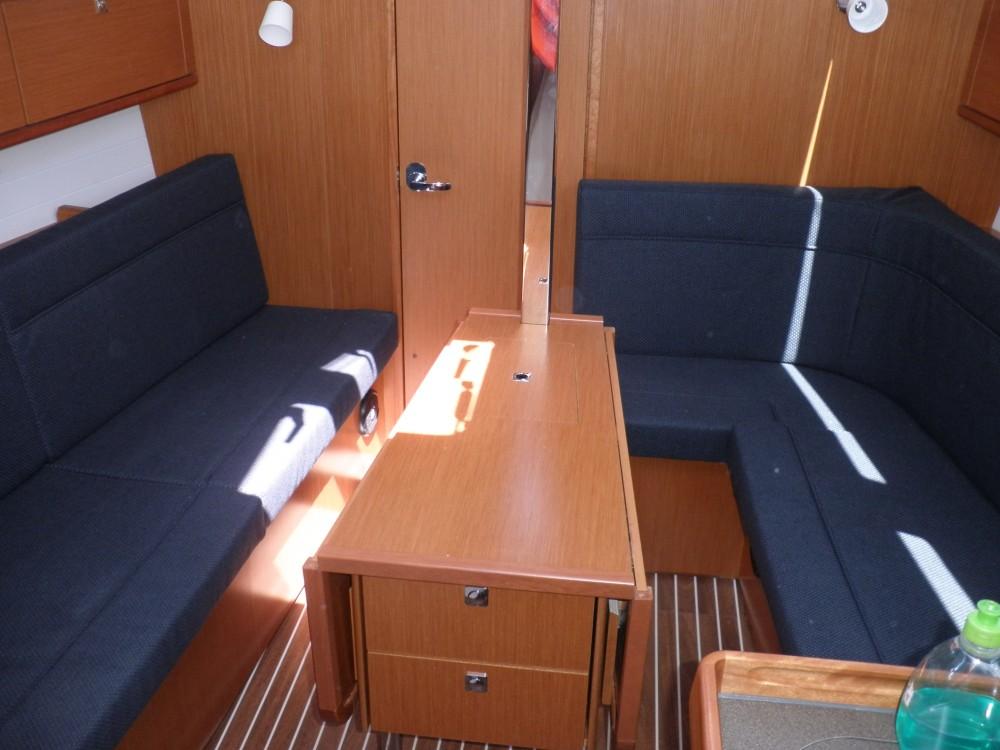 Yacht-Charter in Sukošan - Bavaria Bavaria Cruiser 33 auf SamBoat