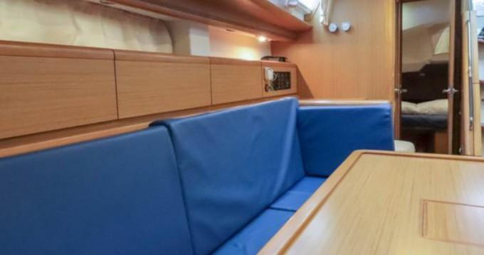Jeanneau Sun Odyssey 44i zwischen Privatpersonen und professionellem Anbieter Salivoli