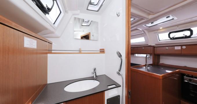 Bavaria Cruiser 37 zwischen Privatpersonen und professionellem Anbieter Zadar