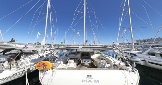Ein Bavaria Cruiser 40 mieten in Zadar