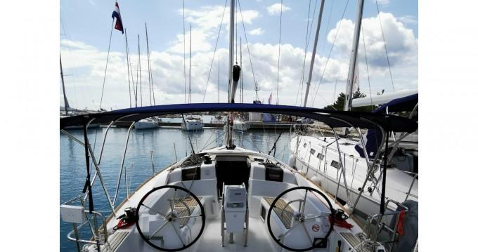 Ein Jeanneau Sun Odyssey 389 mieten in Pirovac