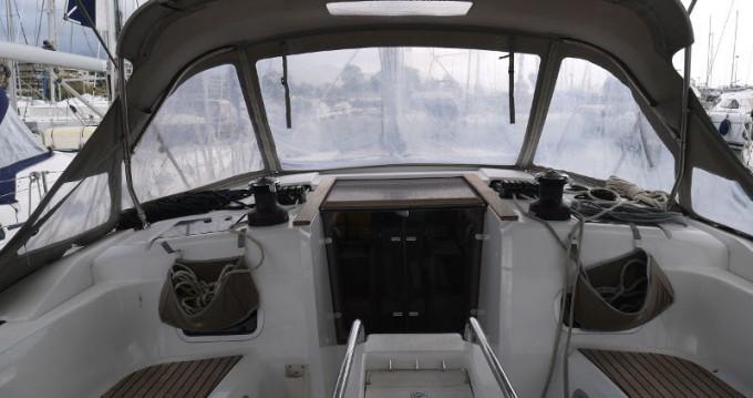 Jeanneau Sun Odyssey 469 zwischen Privatpersonen und professionellem Anbieter Salamína