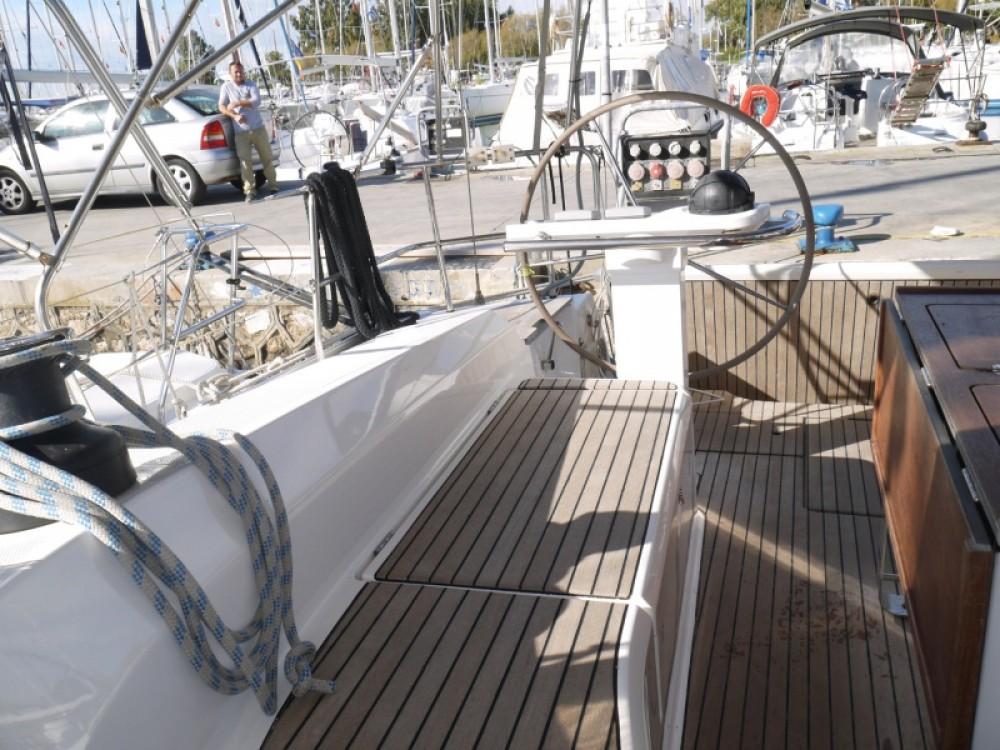 Bootsverleih Marina Alimos günstig Bavaria 45 Cruiser