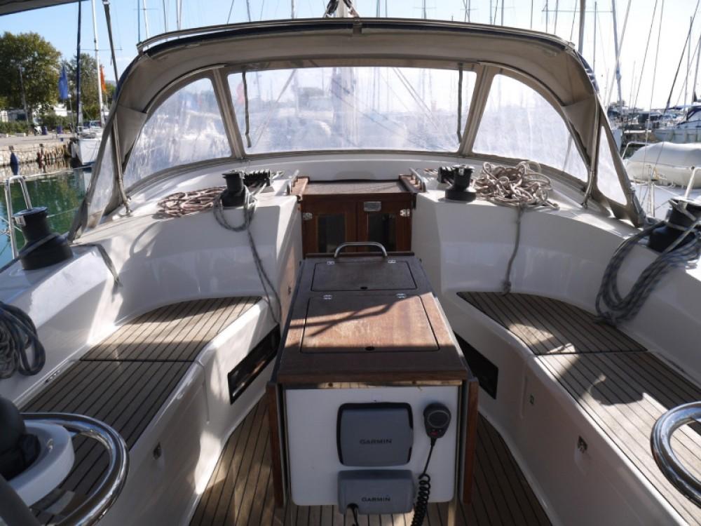 Segelboot mieten in Marina Alimos - Bavaria Bavaria 45 Cruiser
