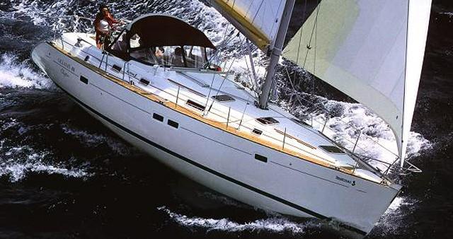Bénéteau Oceanis 411 zwischen Privatpersonen und professionellem Anbieter Lefkas Marina