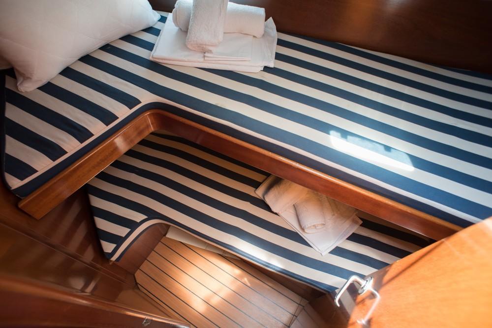 Bénéteau Oceanis 411 zwischen Privatpersonen und professionellem Anbieter Lefkada