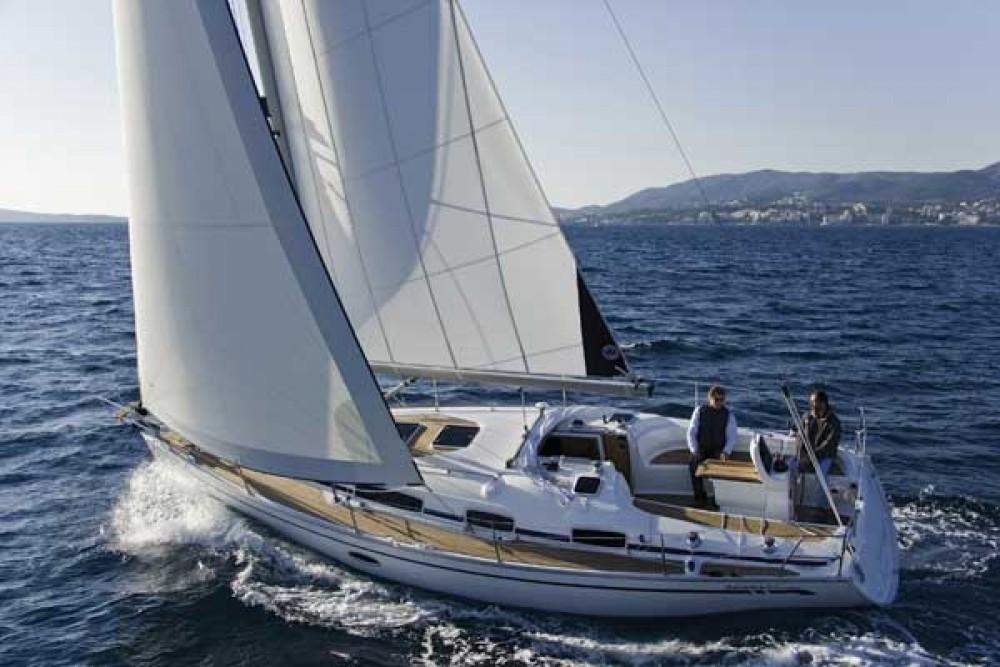 Ein Bavaria Bavaria 35 Cruiser mieten in Nacka