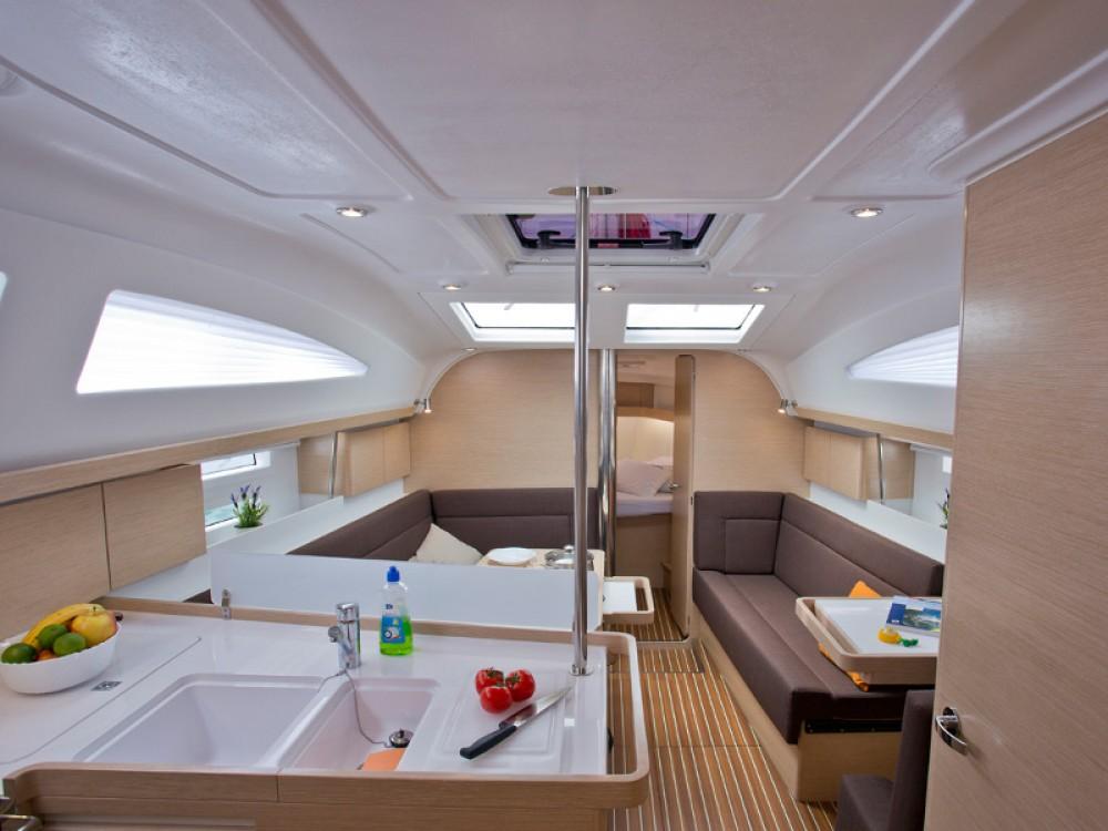 Yacht-Charter in Šibenik - Elan Elan 40 impression auf SamBoat