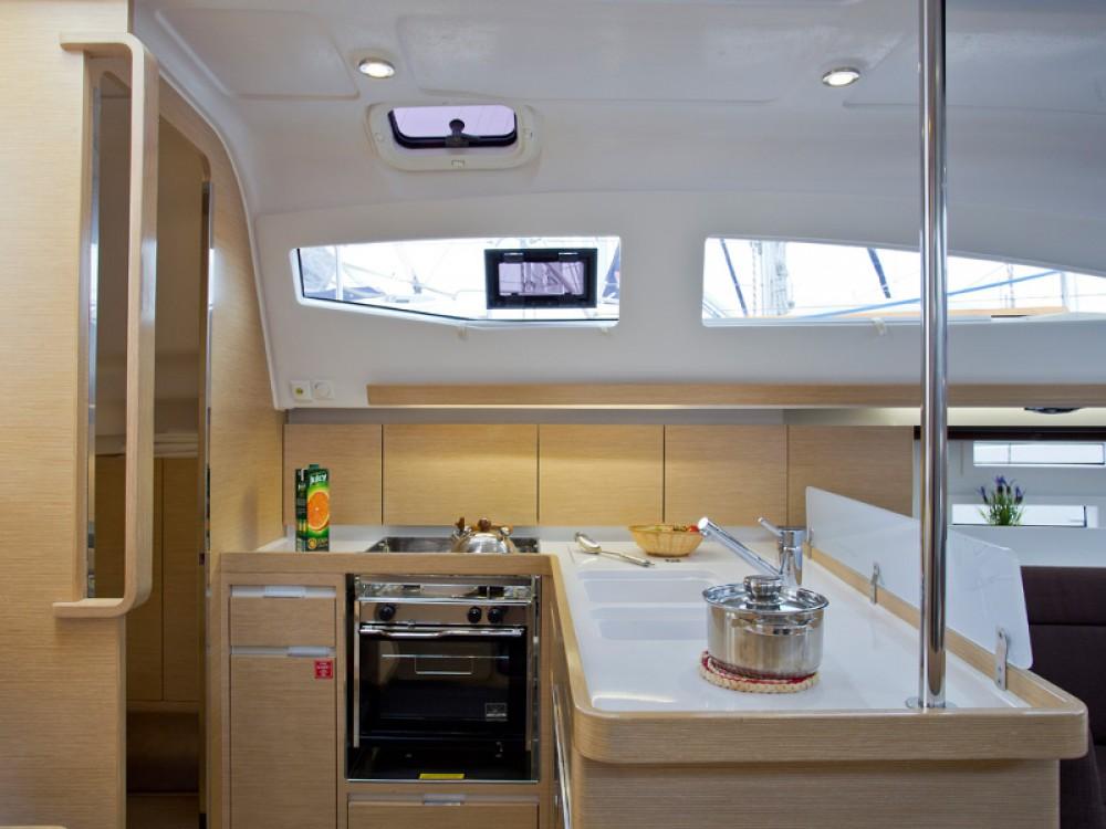 Bootsverleih Elan Elan 394 Impression Šibenik Samboat