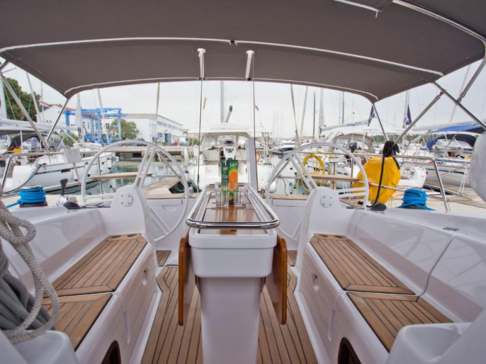 Segelboot mit oder ohne Skipper Elan mieten in Šibenik