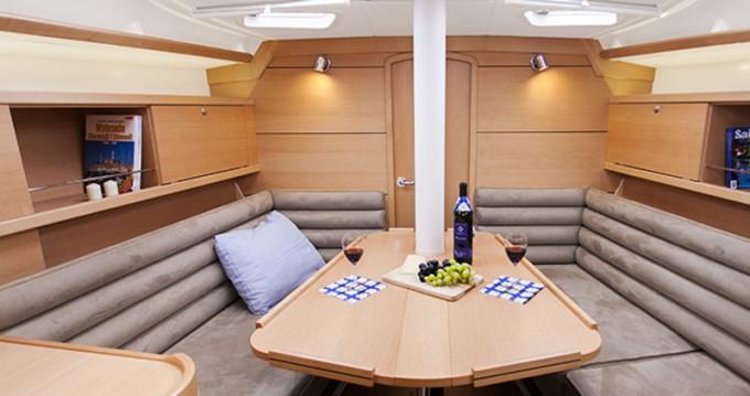 Yacht-Charter in Šibenik - Delphia Delphia 37.3 auf SamBoat