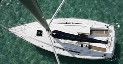 Jeanneau Sun Odyssey 32i zwischen Privatpersonen und professionellem Anbieter Betina