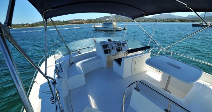 Motorboot mit oder ohne Skipper Fountaine Pajot mieten in Marina di Portisco