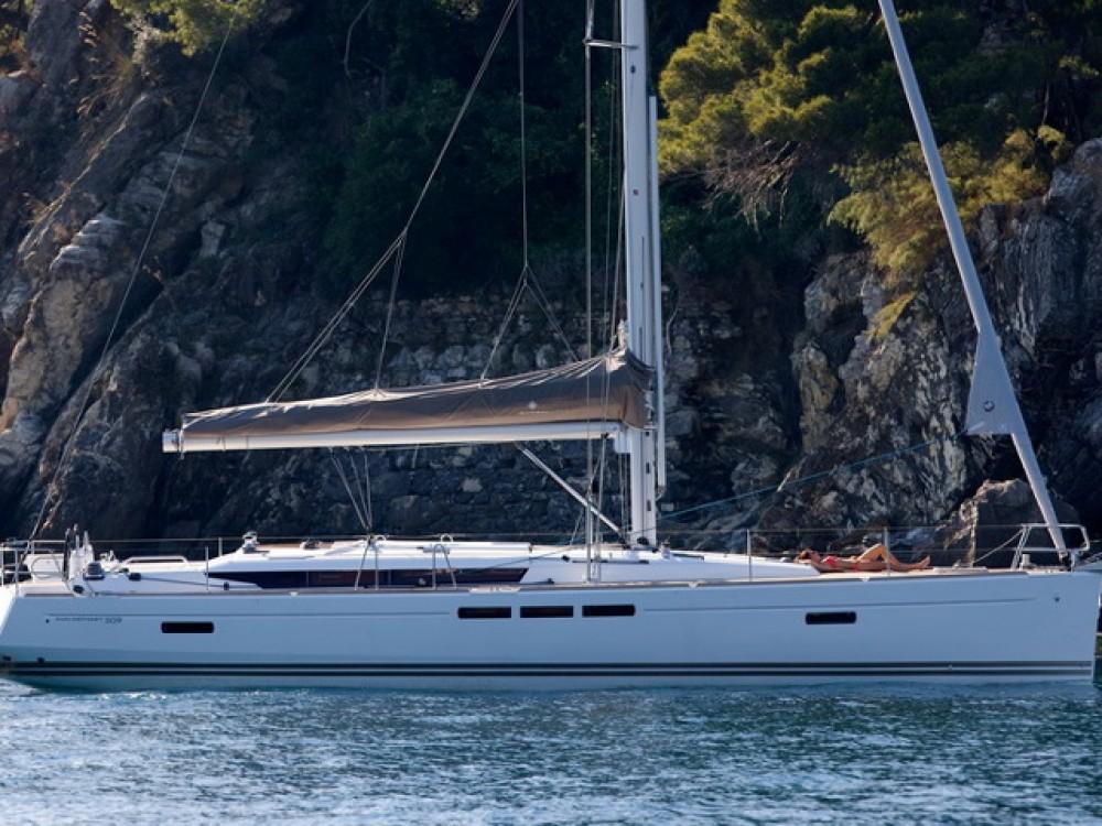Ein Jeanneau Sun Odyssey 509 mieten in Palma