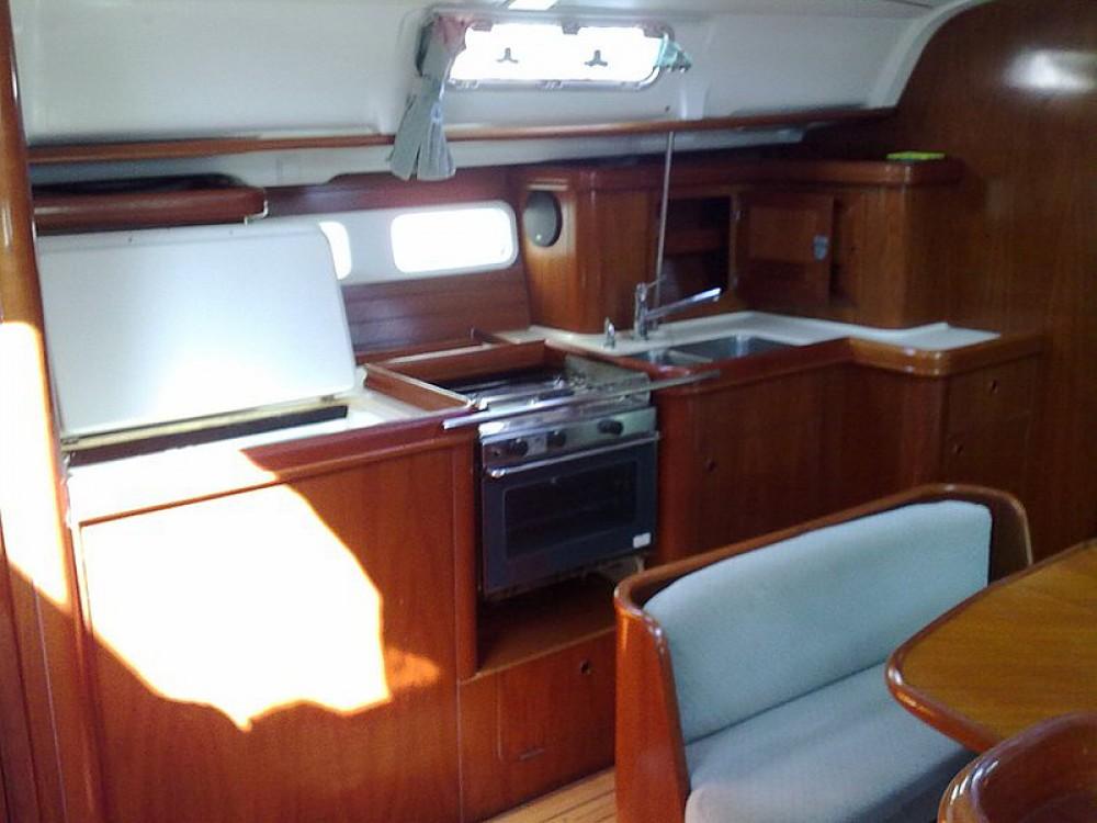 Bootsverleih Bénéteau Oceanis 411-4 Palma Samboat
