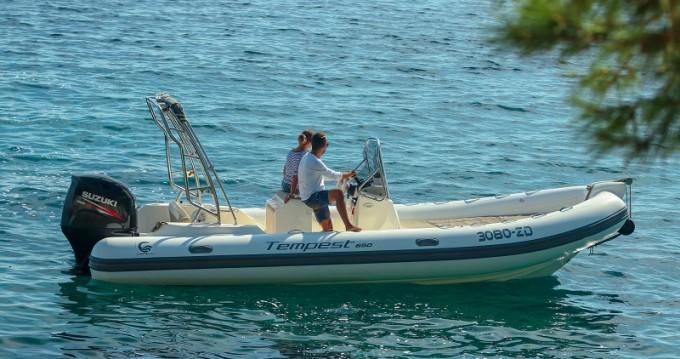 Vermietung Motorboot Cantieri mit Führerschein