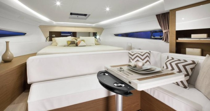 Motorboot mit oder ohne Skipper Jeanneau mieten in Veruda