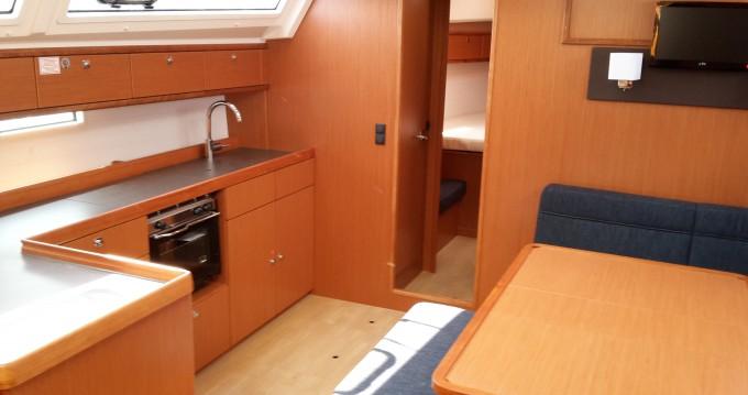 Bavaria Bavaria Cruiser46 zwischen Privatpersonen und professionellem Anbieter Veruda
