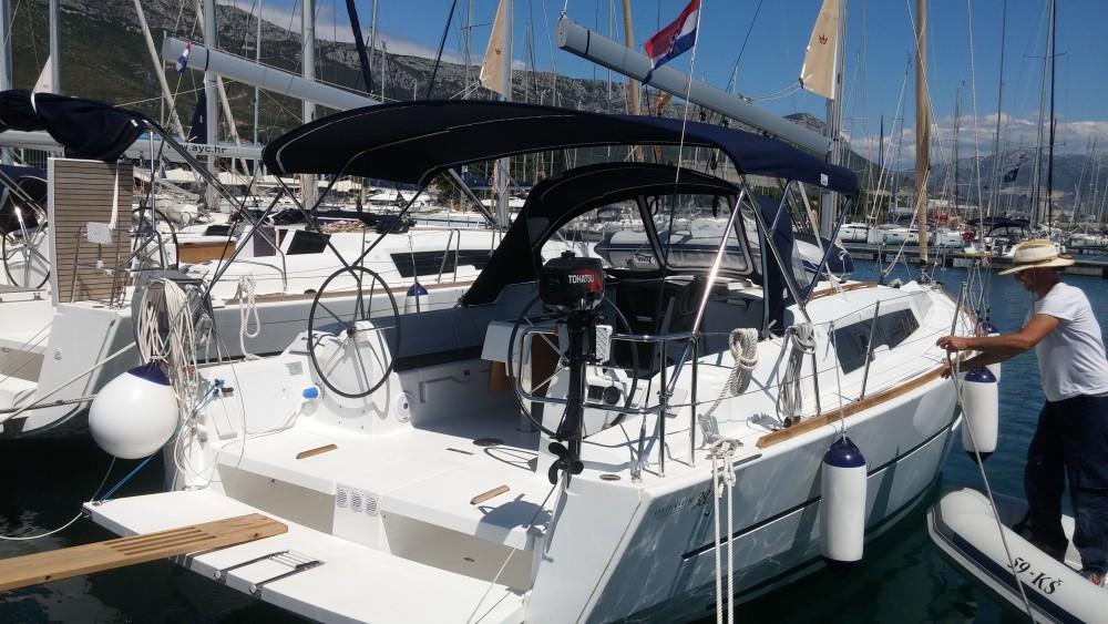 Segelboot mieten in Kaštel Gomilica - Dufour Dufour 382 Grand Large