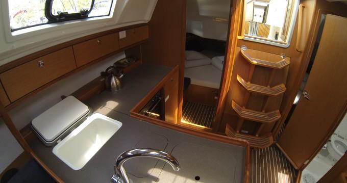Bavaria Bavaria Cruiser37 zwischen Privatpersonen und professionellem Anbieter Dubrovnik