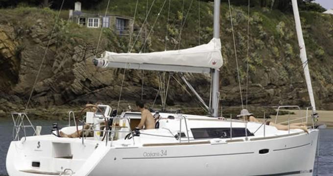 Bénéteau Oceanis 34 zwischen Privatpersonen und professionellem Anbieter Lefkas Marina
