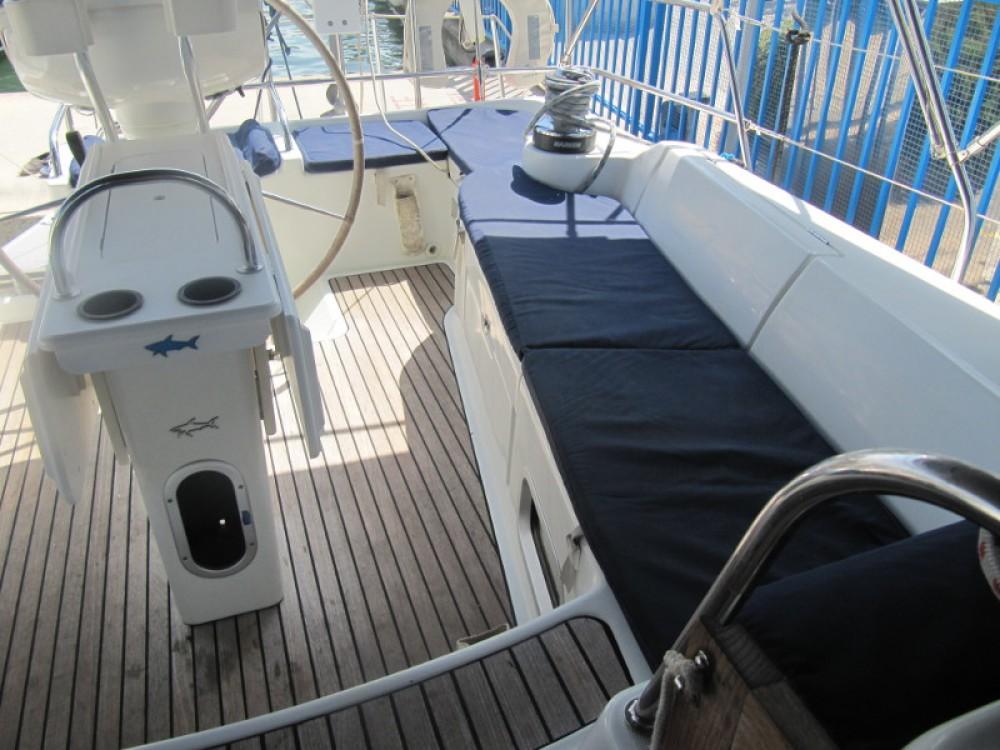 Jeanneau Sun Odyssey 43DS zwischen Privatpersonen und professionellem Anbieter Alcúdia