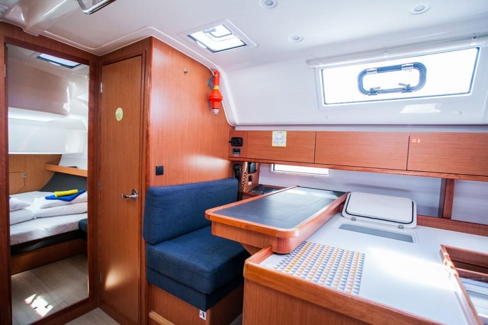 Bavaria Bavaria Cruiser 51 zwischen Privatpersonen und professionellem Anbieter Trau
