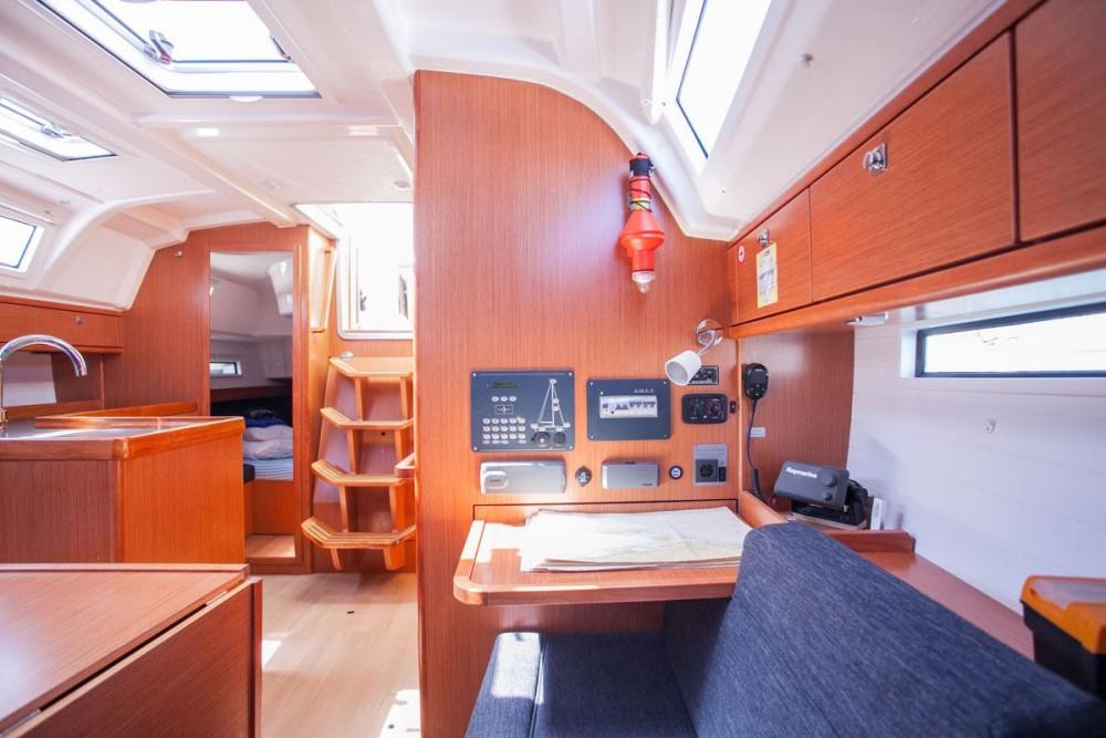 Bootsverleih Bavaria Bavaria Cruiser 37  Samboat