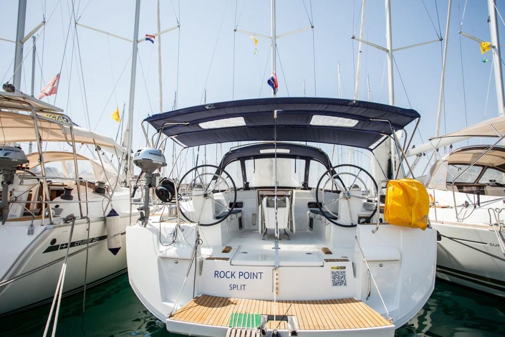 Ein Jeanneau Sun Odyssey 509 mieten in Trogir