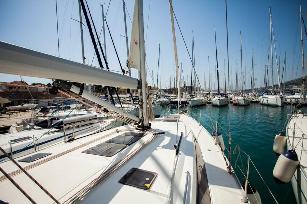 Jeanneau Sun Odyssey 509 zwischen Privatpersonen und professionellem Anbieter Trogir