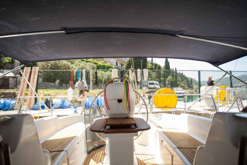 Ein Bavaria Bavaria 37 Cruiser mieten in ACI Marina Dubrovnik
