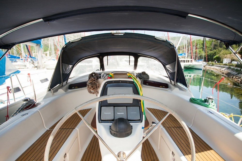 Yacht-Charter in ACI Marina Dubrovnik - Bavaria Bavaria 37 Cruiser auf SamBoat