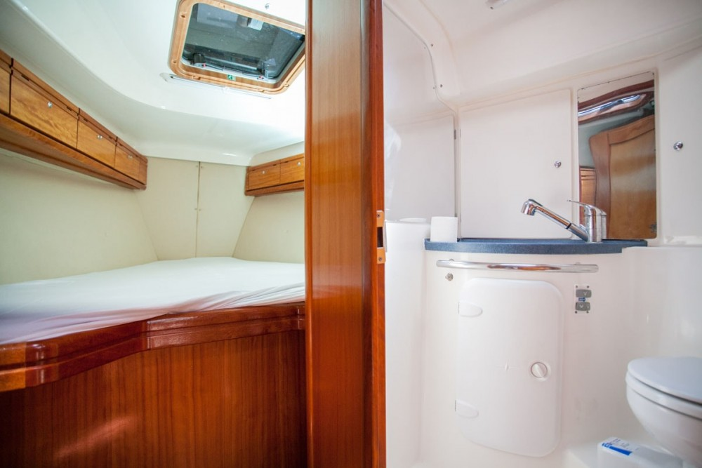 Bavaria Bavaria 37 Cruiser zwischen Privatpersonen und professionellem Anbieter ACI Marina Dubrovnik