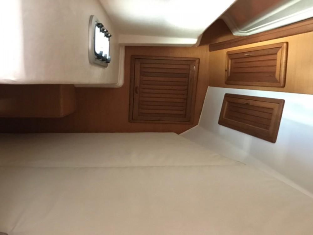 Yacht-Charter in  - Jeanneau Sun Odyssey 379 auf SamBoat