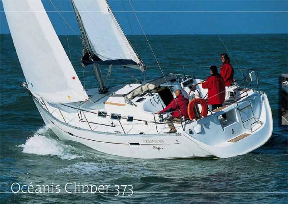 Bénéteau Oceanis 373 Clipper zwischen Privatpersonen und professionellem Anbieter Álimos